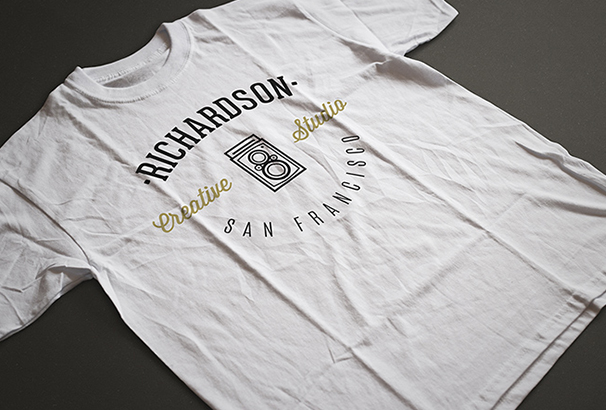 photo-realistic-t-shirt-mockups